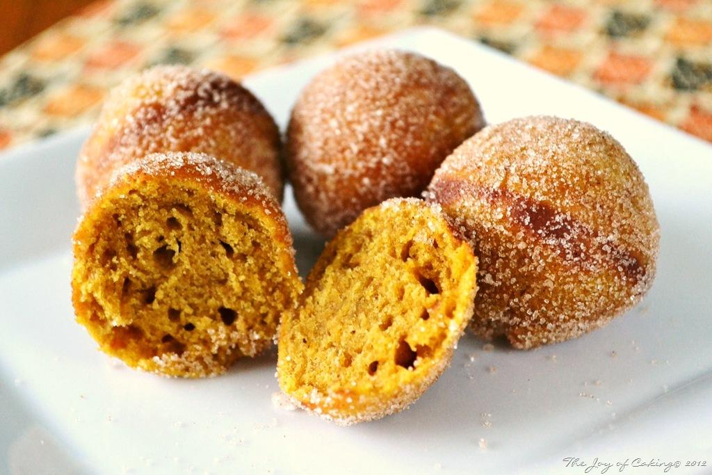 Baked Pumpkin Spice Doughnut Holes