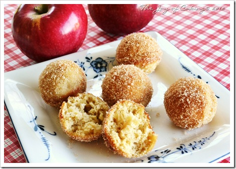 doughnut holes - apple 020