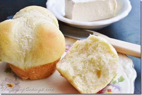 felt, rolls, choc chip shortbreads 137