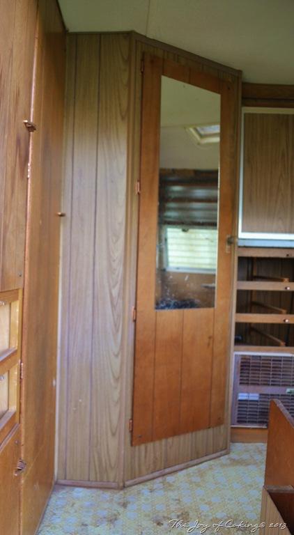 Before and After – 1972 Frolic Camper Remodel – Bathroom Door – THE