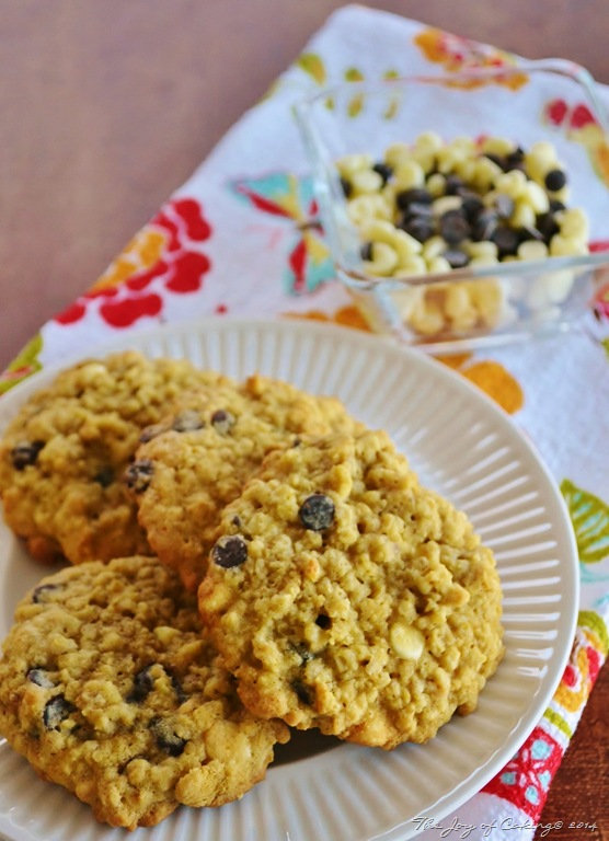 Hearty Oatmeal Cookies with Mini White and Dark Chocolate Chips | THE ...